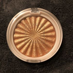 NWOB•OFRA XNIKKIE TUTORIALS Glow Goals Highlighter